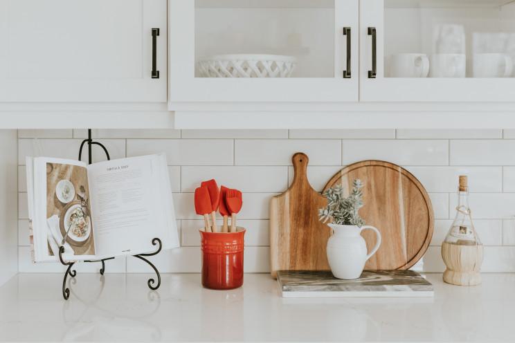 7 ideias para ganhar espaço nas cozinhas pequenas