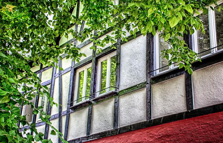 Como manter as janelas da casa imaculadas agora que olhamos tanto através delas